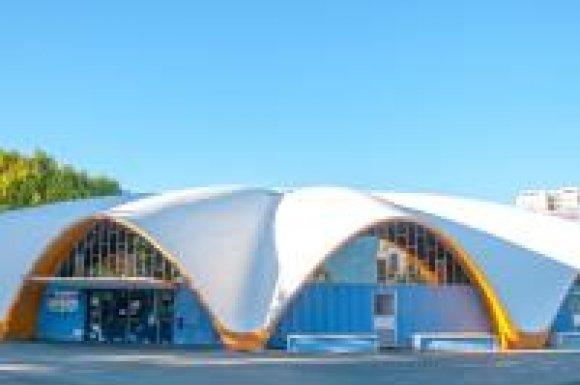 Caractéristique de l'architecture moderniste des années cinquante